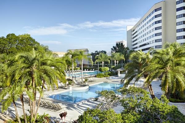 Hilton OLBV Pool 600x400