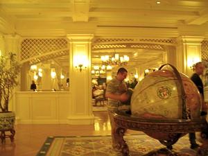 Отели в Диснейлэнде - Отель NEW PORT BAY CLUB.